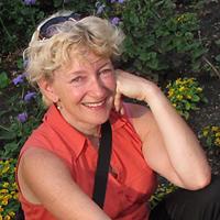 Maureen Hoffmann-Web Portrait