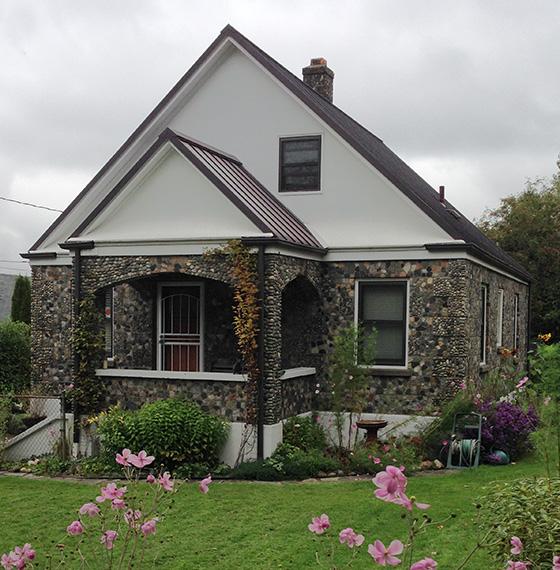 Roseberg Stone House1